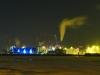 Hafenkraene im Hamburger Hafen und vereiste Elbe