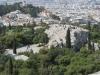 Blick von der Akropolis auf den Areopag.